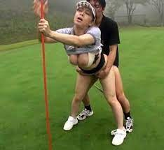 いきなりゴルファーレイプ!